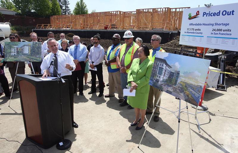 California Senate President Pro Tempore Darrell Steinberg (D-Sacramento) speaks during a press conference on green gas emissions at the MacArthur BART station in Oakland, Calif., on Thursday, May 15, 2014. (Jane Tyska/Bay Area News Group)