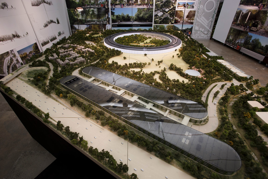 . An overview of a the model of Apple\'s proposed new campus. The plan will go up for a final vote before the Cupertino City Council on Oct. 15. The rendering was photographed at Apple\'s office located at the proposed new campus site on Oct. 10, 2013 in Cupertino. (Dai Sugano/Bay Area News Group)