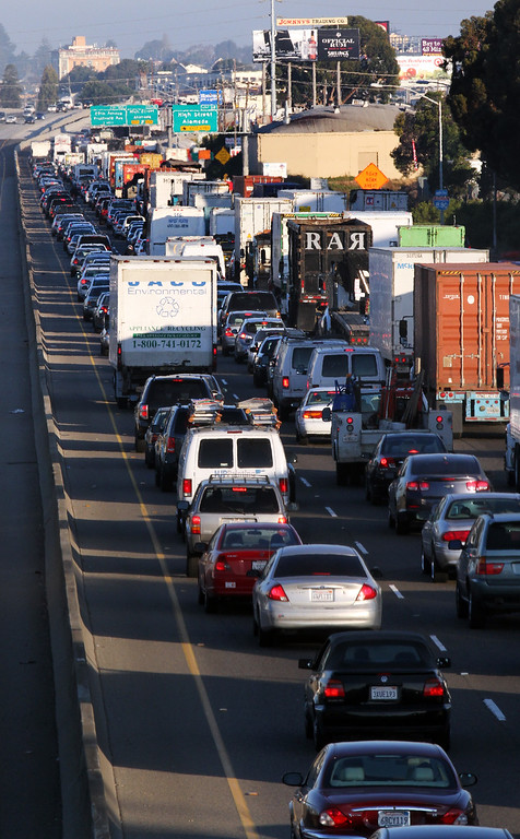 . Traffic piles up along northbound Interstate 880 in Oakland, Calif.,  as commuters deal with the BART strike during the morning commute on Friday, Oct. 18, 2013.  The unions called the strike Thursday evening after negotiations broke down. (Laura A. Oda/Bay Area News Group)