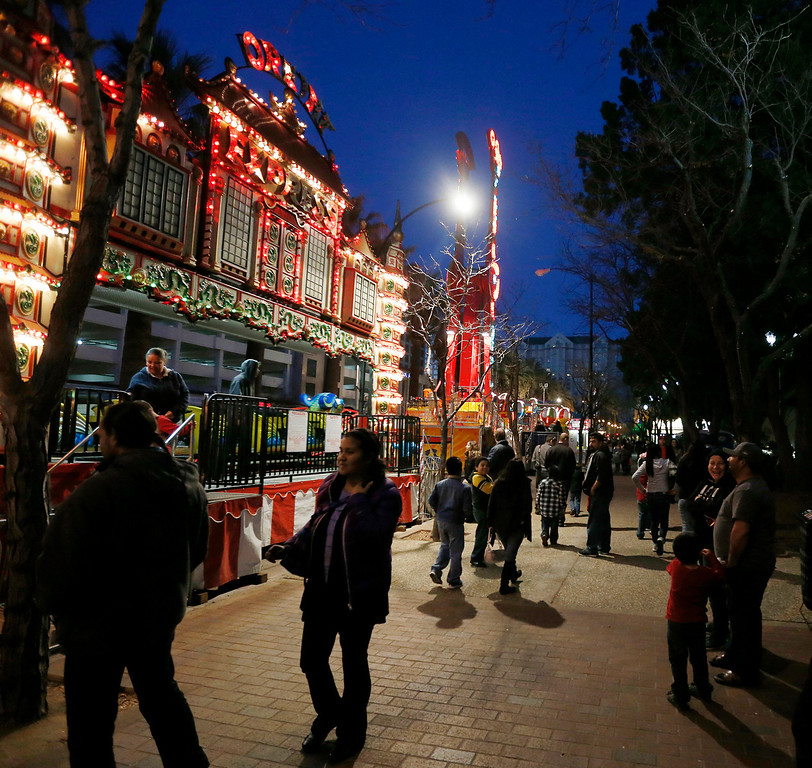 . Crowd at last night of carnival rides at Winter Wonderland as the holiday tradition of Christmas in the Park comes to a close in downtown San Jose, Calif., on Sunday, Jan. 5, 2014. (Josie Lepe/Bay Area News Group)