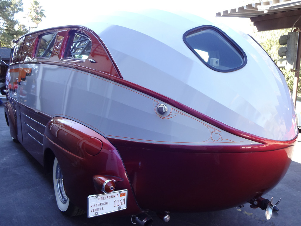 . Art Himsl\'s one-of-a-kind 1937 Chris Craft Motorhome, rear view. (photo by David Krumboltz)