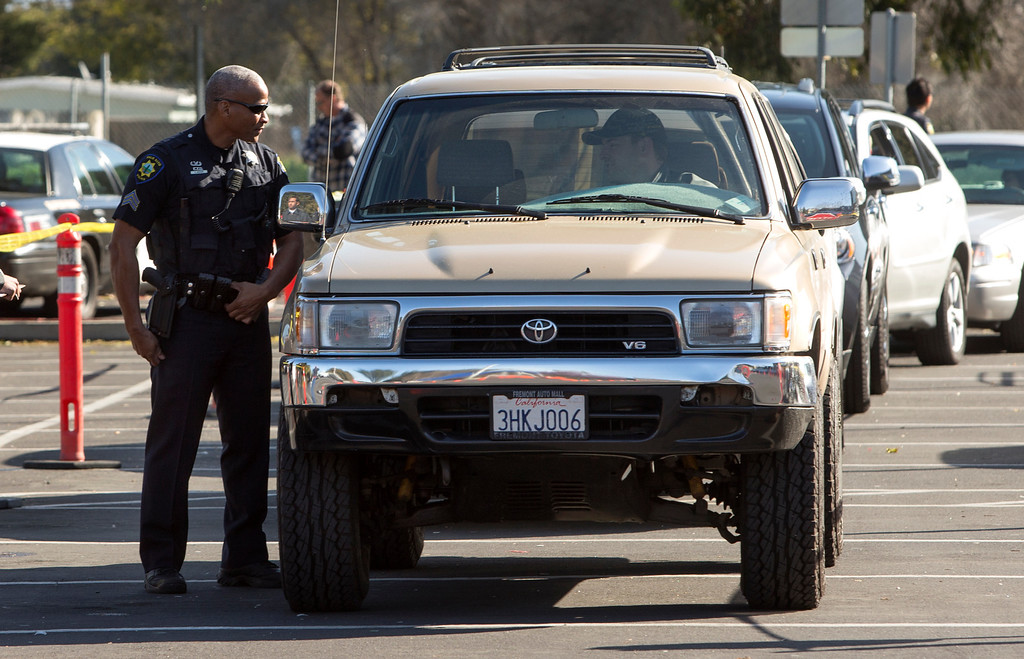 . The Peninsula cities of Palo Alto, Menlo Park and East Palo Alto police held a gun buyback at East Palo Alto City Hall on Saturday. (John Green/Staff)