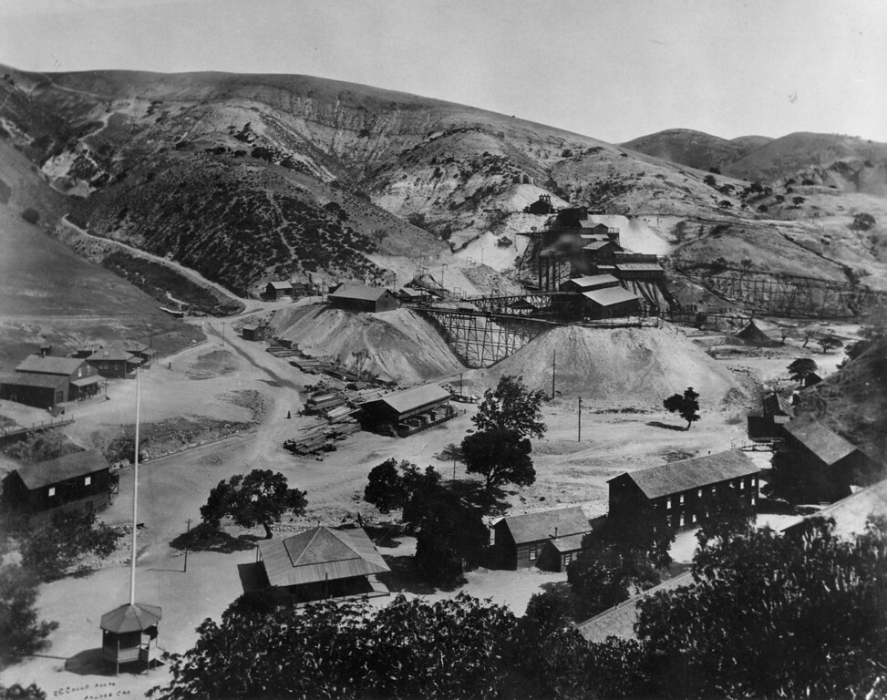 . The Tesla company town is in the foreground of this view of the mining community, looking north. (Livermore Heritage Guild Collection)