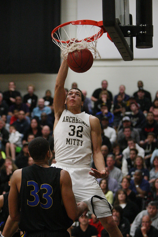 . Mitty\'s Aaron Gordon dunks in the fourth quarter of the NorCal Open Division first round game at Archbishop Mitty High School in San Jose, Calif. on Saturday, March 9, 2013. The Archbishop Mitty Monarchs beat the Newark Memorial High School Cougars, 63-51. (Jim Gensheimer/Staff)