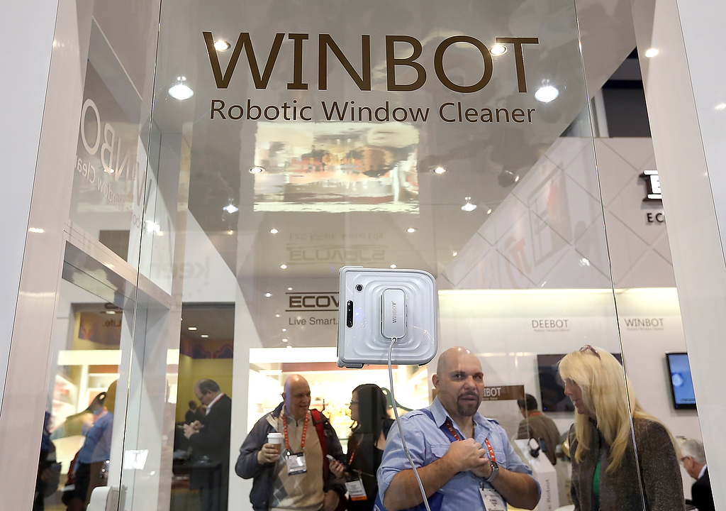 . The Winbot robotic window cleaner is displayed during the 2013 International CES at the Las Vegas Hilton on January 9, 2013 in Las Vegas, Nevada. (Photo by Justin Sullivan/Getty Images)