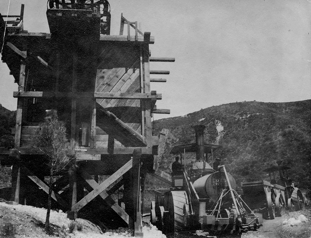 . A structure at the coal mining community of Tesla, which was located between present-day Livermore and Tracy. (Livermore Heritage Guild Collection)