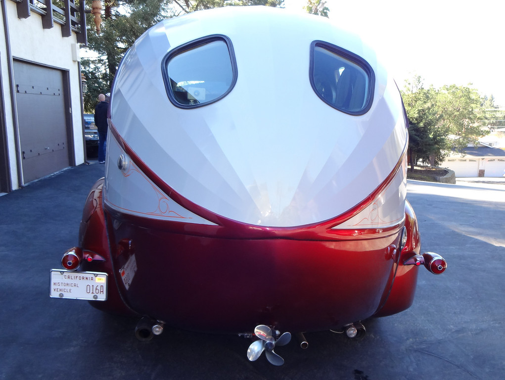 . Art Himsl\'s one-of-a-kind 1937 Chris Craft Motorhome, rearview. (photo by David Krumboltz)